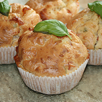 Tomate-Mozzarella-Basilikum-Muffins