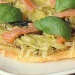 Kartoffel-Pizza mit Lachs