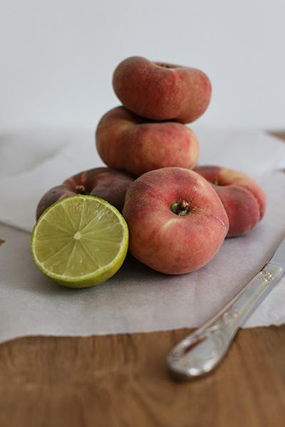 rezept_salat_mit_weinbergpfirsischen_und_bueffelmozzarella_foodblog_acakeaday_01