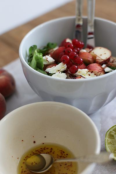 rezept_salat_mit_weinbergpfirsischen_und_bueffelmozzarella_foodblog_acakeaday_02