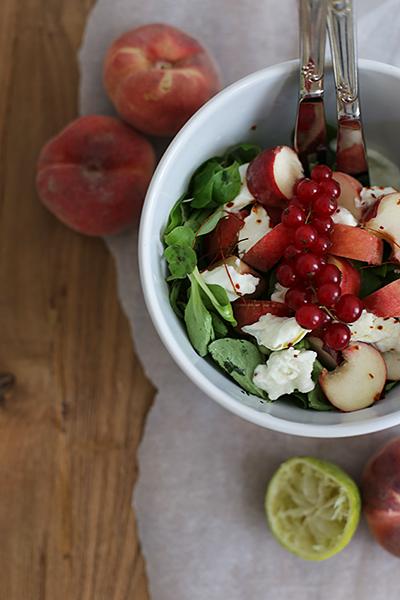 rezept_salat_mit_weinbergpfirsischen_und_bueffelmozzarella_foodblog_acakeaday_03