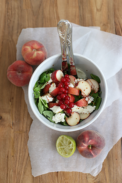 rezept_salat_mit_weinbergpfirsischen_und_bueffelmozzarella_foodblog_acakeaday_04
