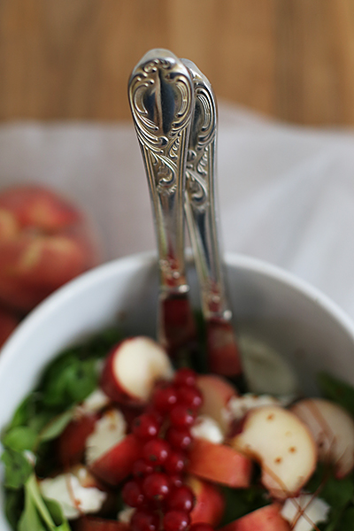 rezept_salat_mit_weinbergpfirsischen_und_bueffelmozzarella_foodblog_acakeaday_06