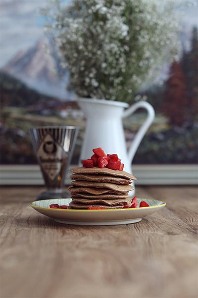 rezept_schokoladenpancakes_mit_erdbeeren_und_whiskeysauce_foodblog_acakeaday_01