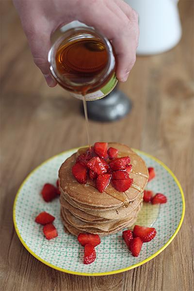 rezept_schokoladenpancakes_mit_erdbeeren_und_whiskeysauce_foodblog_acakeaday_04