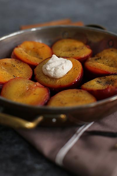 Rezept gebackene Pflaumen mit Cashewcreme