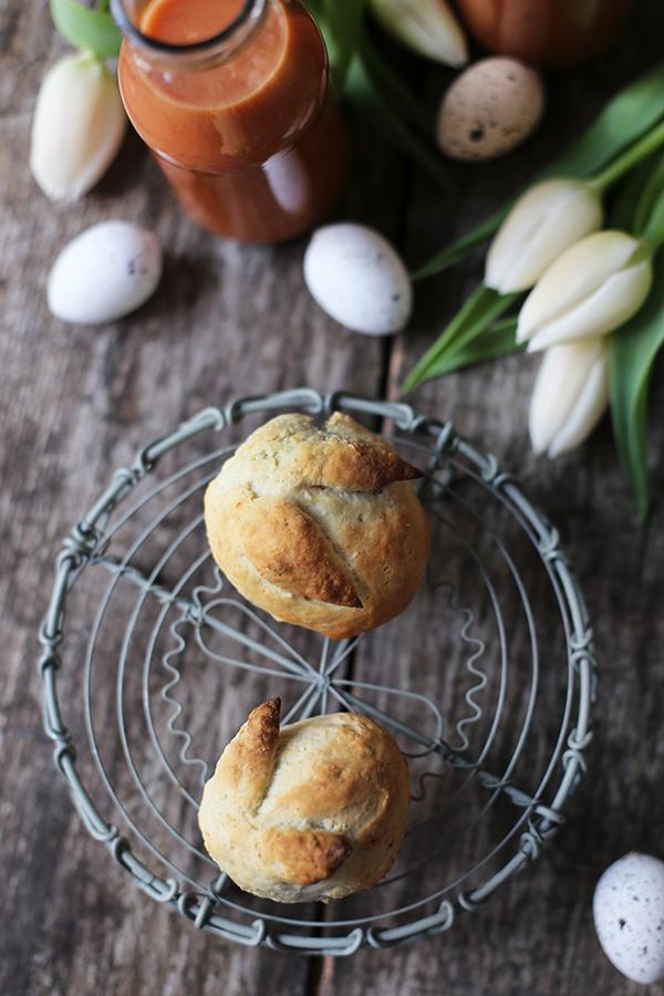 Osterrezept: Hasenbrötchen und Tomatensuppe für den Osterbrunch