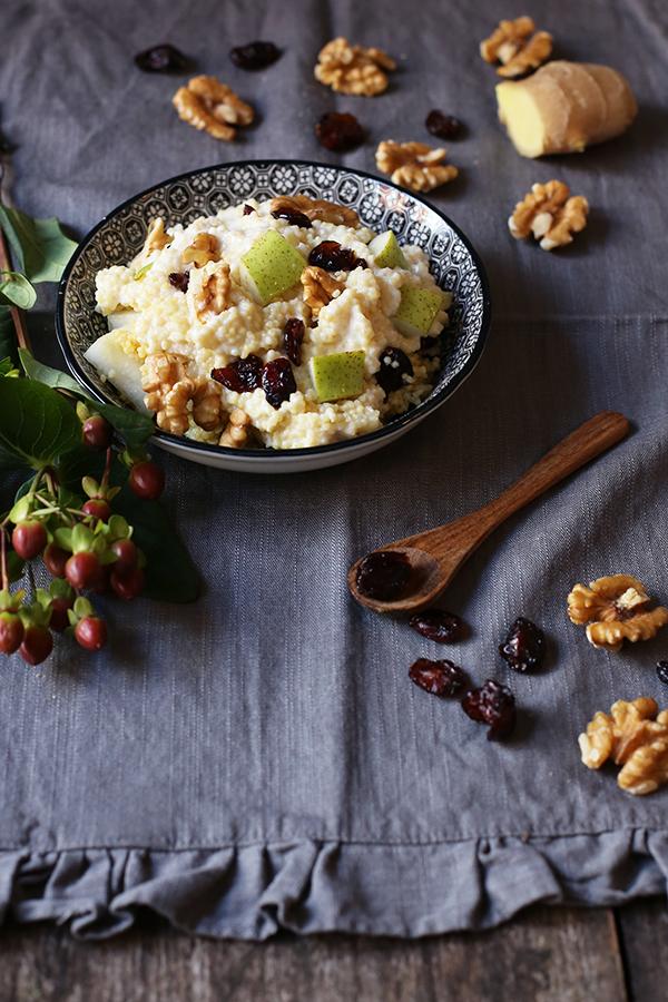 rezept_fruehstueckshirse_foodblog_acakeaday_02Rezept Frühstücks-Hirse mit Birne, Cranberrys, Walnüssen und Ingwer